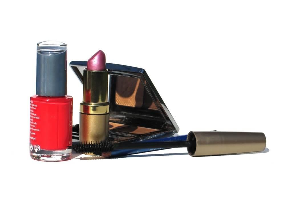 Po co kobiety się malują? Rozwiewamy tajemnice