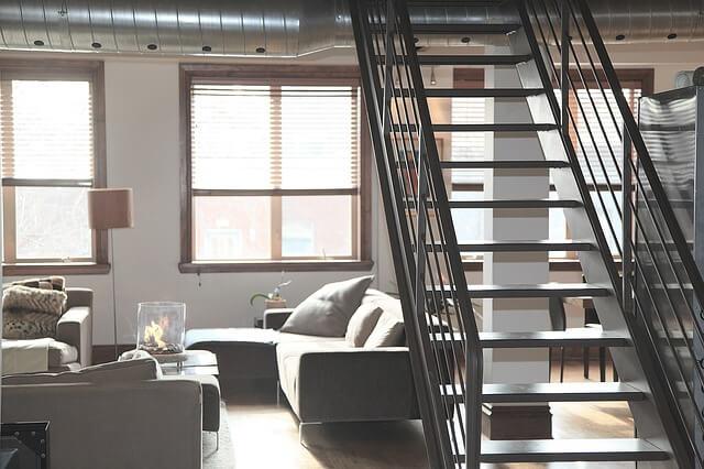 Pomoc ukochanej w urządzaniu mieszkania – pomysły czy tylko wnoszenie mebli?