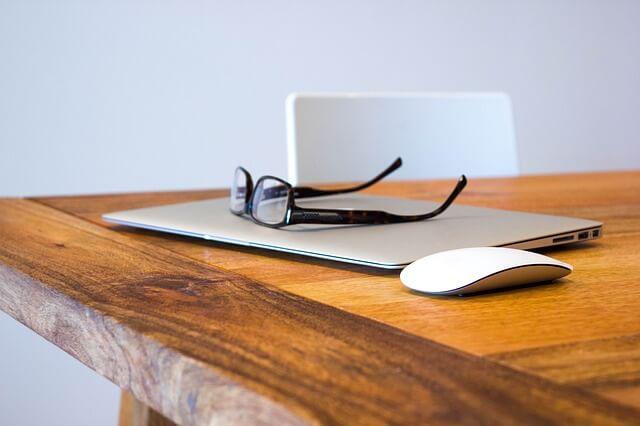 Ultrabooki – lekkie laptopy dla kobiet, notebook do damskiej torby!