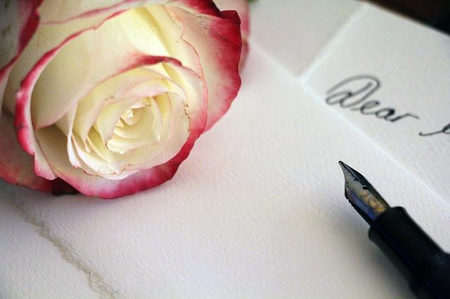 List miłosny i róża
