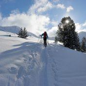 Narty, kuligi, skutery śnieżne, a nawet paintball – zobacz jak możesz bawić się zimą w górach!